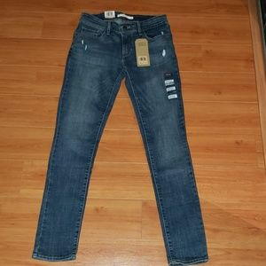 LEVI'S 711 SKINNY MID RISE JEANS NWT size 4/27